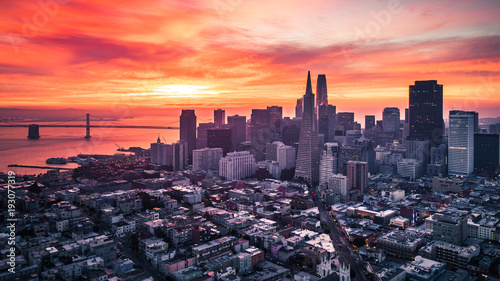 Autocollant pour porte San Francisco San Francisco Skyline at Sunrise