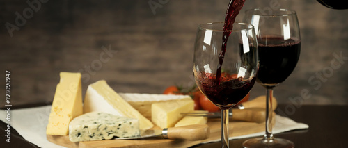 Fotobehang Wijn Red Wine and cheese board