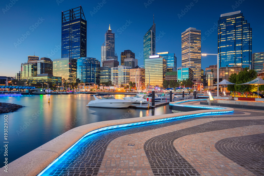 Fototapeta Perth. Cityscape image of Perth downtown skyline, Australia during sunset.