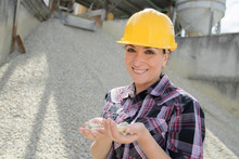 Gravel Manufacturing Worker Po...