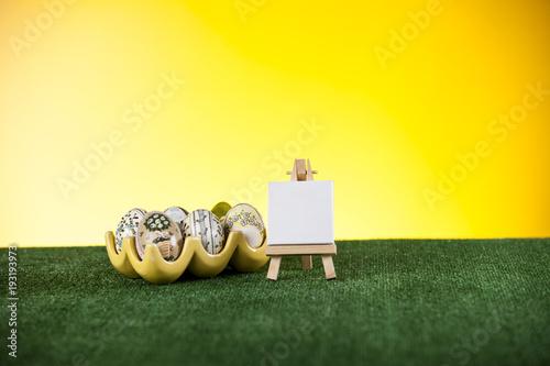 Fototapeta Pisanki w koszyczku obraz