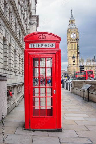 Fototapety, obrazy: Big ben and red phone cabin in London