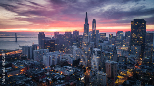 Spoed Foto op Canvas Amerikaanse Plekken San Francisco Skyline at Sunrise