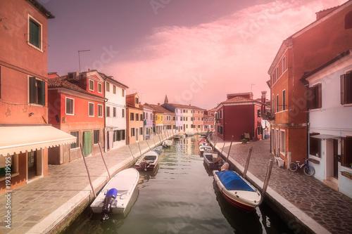 Foto auf AluDibond Kanal Venecia canal with boats and gondolas, Italy