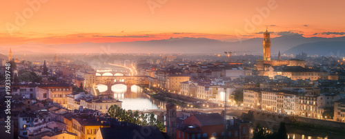 Photo Stands Lavender Arno River and Basilica at sunset Florence, Italy