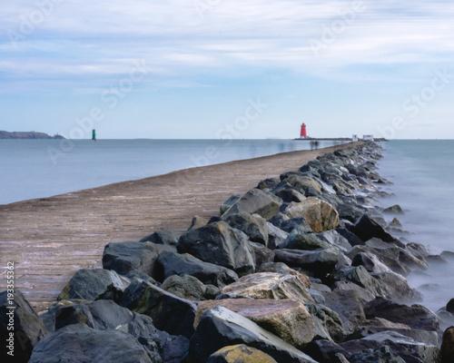 Zdjęcie XXL latarnia morska na północnym morzu na wschodnim wybrzeżu Irlandii