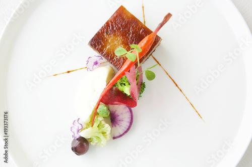 Foto op Plexiglas Klaar gerecht Exquisite dish, creative restaurant meal concept, haute couture food
