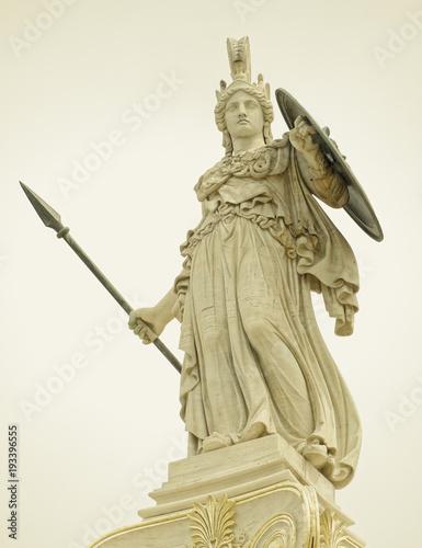 Photo Athena statue, the ancinet greek goddess of wisdom and knowledge