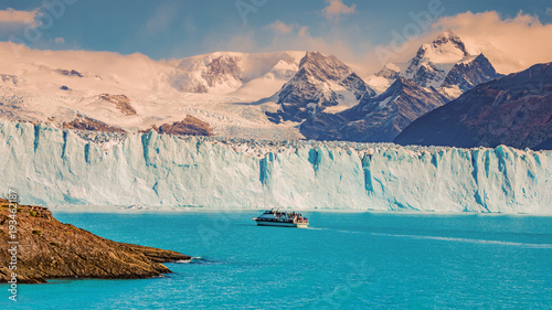 Printed kitchen splashbacks Glaciers View of glacier Perito Moreno in Patagonia and touristic boat
