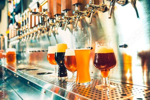 Foto op Aluminium Alcohol Beer taps in a pub