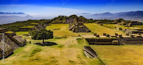 Mexique Mexico. Archaeological Site of Monte Alban (UNESCO World Heritage Site) - general view from the North Platform