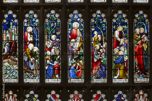 Fotografía  Stained glass at St Andrew's Cathedral, the cathedral church of the Anglican Diocese of Sydney in the Anglican Church of Australia