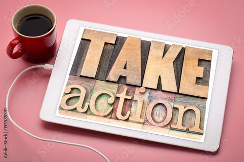 Pinturas sobre lienzo  take action motivation concept on tablet