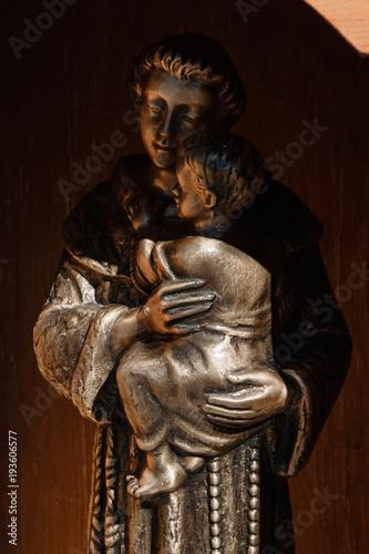 Photo Tamara, Albania - Sculpture of Saint Anthony of Padua