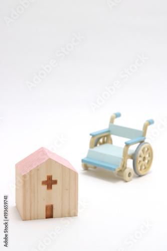 Fotografie, Obraz  病院と車椅子