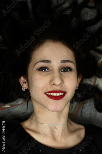 Fototapeta brunette girl with beautiful smile obraz na płótnie