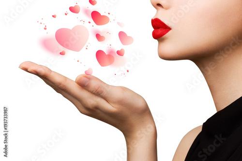 Fotografía Attractive beautiful woman showing air kiss