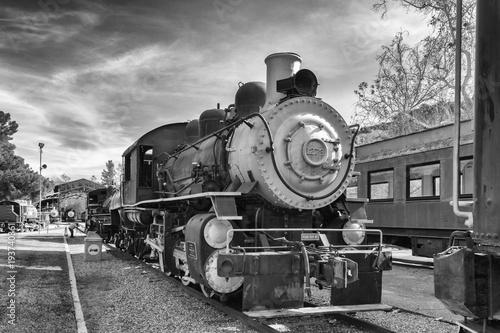 Obraz pociąg  the-old-train-in-black-and-white