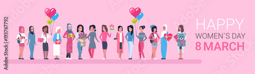 Fotografía  Happy Intenational Womens Day Horizontal Banner Group Of Diverse Girls Over Pink
