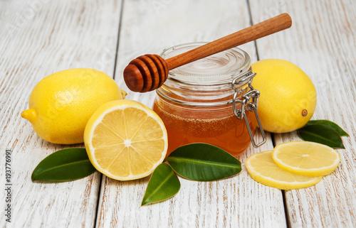Photo  Honey and lemons