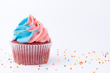 Cupcake Red Velvet With Blue A...