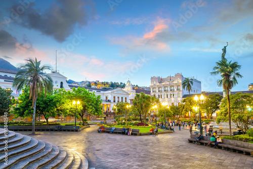 Foto  Plaza Grande in old town Quito, Ecuador