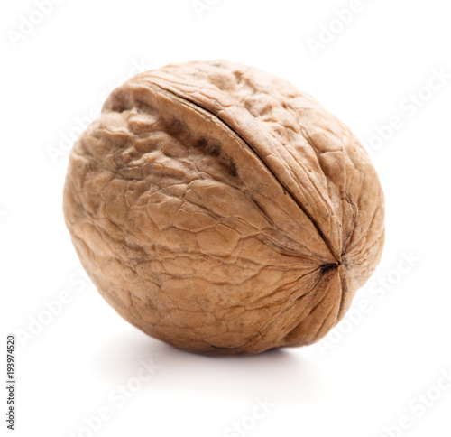 Fotomural  single walnut in shell isolated on white background