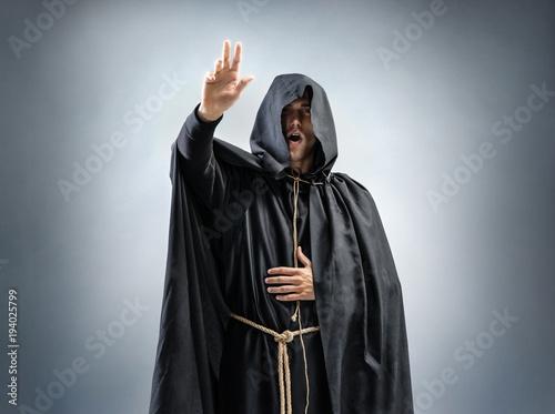 Cuadros en Lienzo Catholic monk is preaching