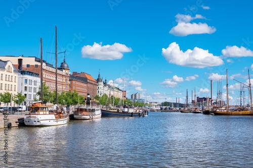 Foto auf Gartenposter Stadt am Wasser Waterfront of Helsinki. Finland