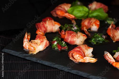 Fotografía  Zesty Marinated Bacon-Wrapped Shrimp