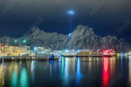 Svolvaer auf den Lofoten bei Nacht Tablou Canvas