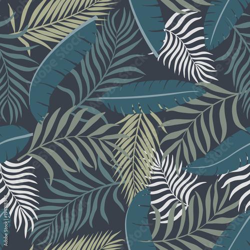 tropikalny-tlo-z-palmowymi-liscmi-bezszwowy-kwiecisty-wzor-ilustracja-wektorowa-lato