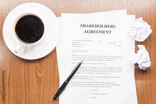 Fotografía shareholders agreement