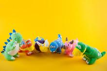 Group Of Small Dinosaur Figure...