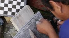 Nepali Man Are Making Stone So...