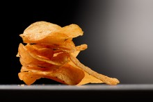 Kartoffel Chips Gestapelt Im S...