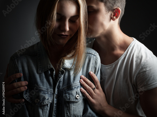 Young man and woman in studio. Tenderness Canvas-taulu
