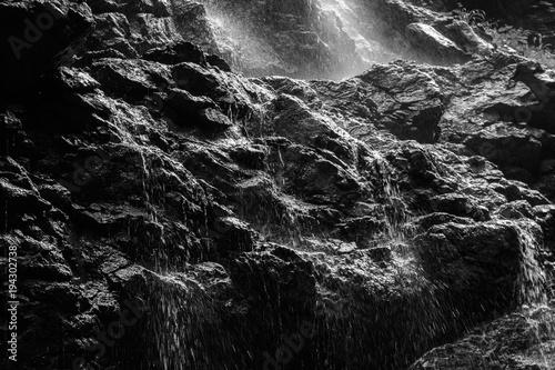 Valokuva  schwarzer Felsen