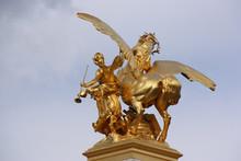 Statue Dorée Du Pont Alexandr...
