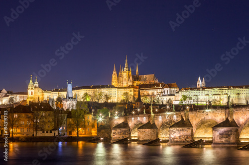 Plagát  Amazing night view of Hradcany (Prague Castle) with St