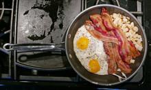 Amerikanisches Frühstück Mit...