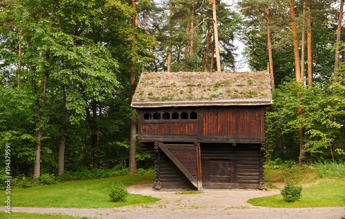 Photo  Old wooden house