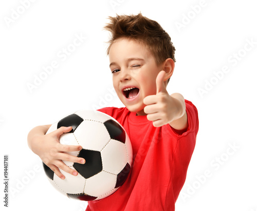 Photo Fan sport boy player hold soccer ball in red t-shirt celebrating happy smiling l