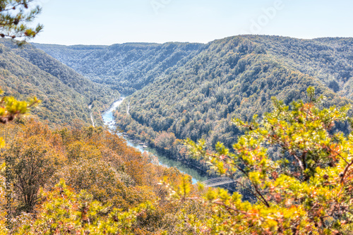 Photo Overlook of West Virginia green, orange mountains in autumn fall at New River Go