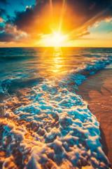 Panel Szklany Wschód / zachód słońca Beautiful sunrise over the sea