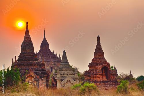 Garden Poster Light pink Sunrise over the temple, Bagan. Myanmar.