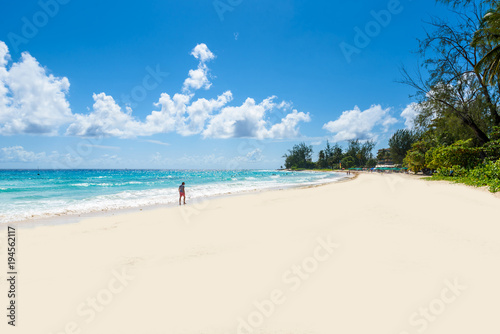 Photo Accra Beach - tropical beach on the Caribbean island of Barbados