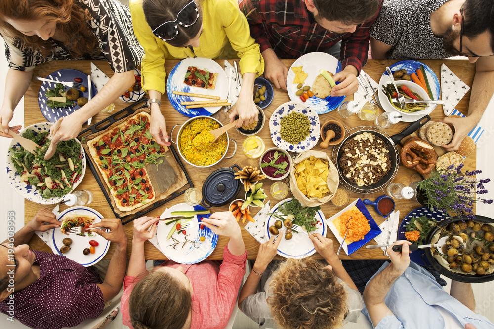 Fototapety, obrazy: Vegan friends eating healthy dinner