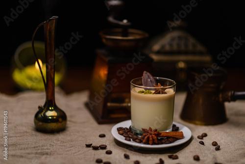Coffee Dessert With Clove Decoration Kaufen Sie Dieses Foto Und
