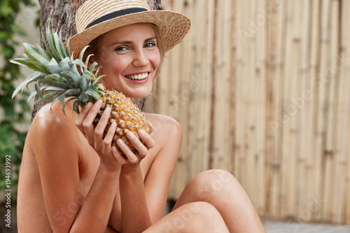 naked-girl-with-pineapple-japanese-bukkake-movie-galleriestures